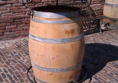 statafel uit wijnvat IMAG0146